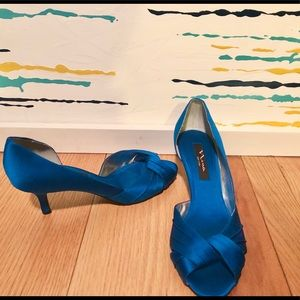 Nina Electric Blue Kitten Heels- Like New!